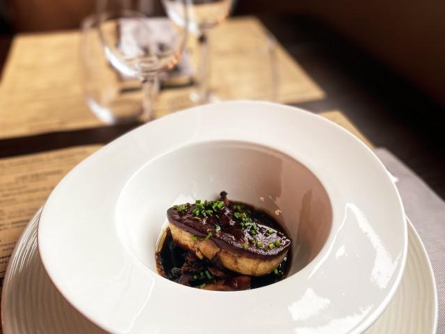 Bistrot Le 5 L'escalope de foie gras de canard poêlée à la fleur de sel